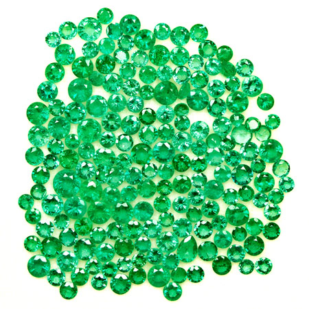 31.67-Carat Lot of 3-5mm Round Eye-Clean Zambian Emeralds - Click Image to Close