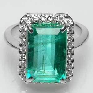 5.51-Carat Zambian Emerald Ring